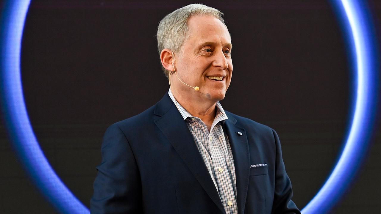 Dr. Alan Stern