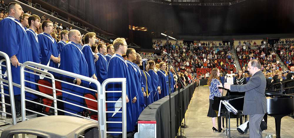 DMACC Choir performs at DMACC Graduation
